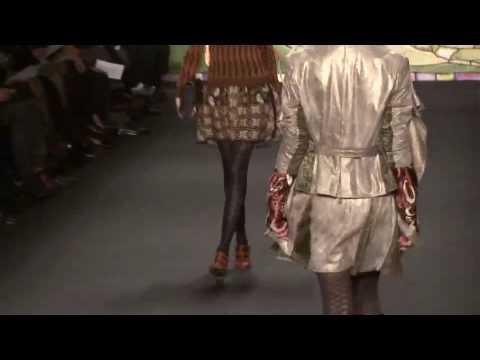 ANNA SUI AW10-11 - Videofashion Daily