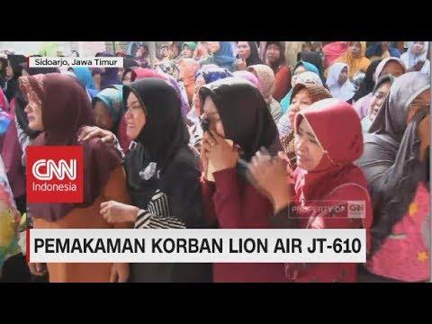 Tangis Keluarga & Tentangga Sambut Kedatangan Jenazah Korban Lion Air Mp3