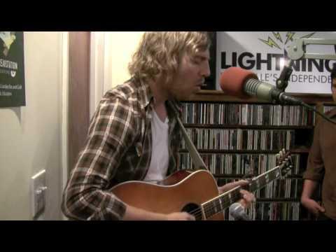 Andrew Belle - Static Waves - Live on Lightning 100