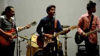 Lovehunters Jr. Feat Moliano - Blues untuk Rakyat dan Sambutlah Kasih (HQ)