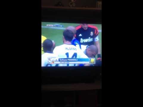 Sergio Ramos injurs vs Valencia 2012
