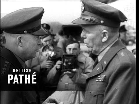 General Marshall Off Plane 1942