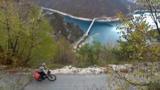 Вело-путешествие по Черногории/Traveling by bicycle on Montenegro(Вокруг Черногории на велосипеде в ноябре 2013 года Видео как мы ездим по Черногории и комеvнтируем наше путе..., 2013-12-08T17:47:45.000Z)