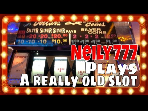 I Played The OLDEST SLOT MACHINE In Laughlin!! Did I Win? LIGHTNING LINK ✧ TRIPLE DIAMOND BIG WIN