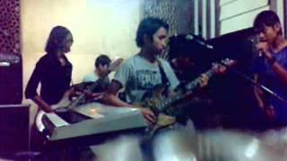 Video Upgrade Band - Meraih Mimpi (J Rocks Cover) download MP3, 3GP, MP4, WEBM, AVI, FLV Oktober 2017