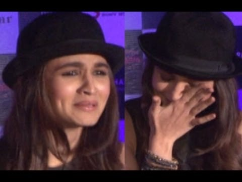 Alia Bhatt Cries at Samjhawan Unplugged