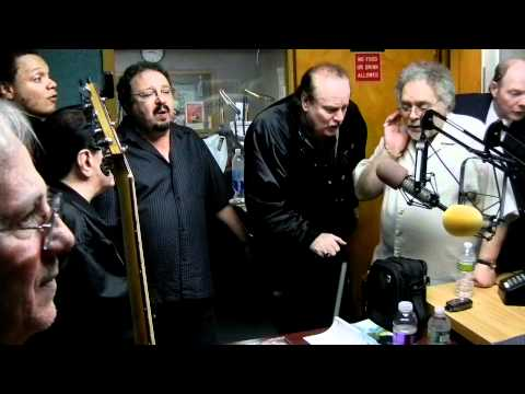 LARRY CHANCE & THE EARLS   LOOKIN FOR MY BABY  STREETS OF THE BRONX  LIVE ON WPAT RADIO TEDDY SMITH BOB OBRIEN SHOW 4 28 11  JPETRECCA VIDEO 2