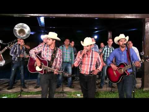 Los Paseños De Jesus Maria ft. Banda Los Populares Del llano- El Corrido Del Toco