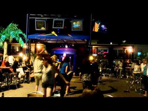 Niagara Karaoke Bar
