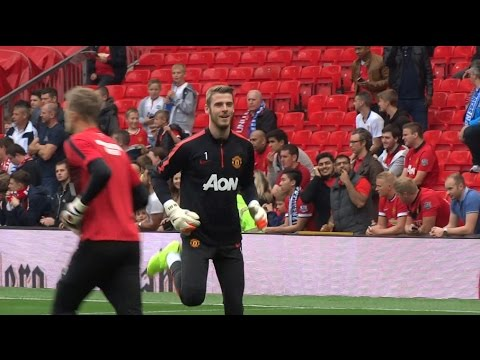 Live From Old Trafford Man United vs QPR Pre Match Warm up