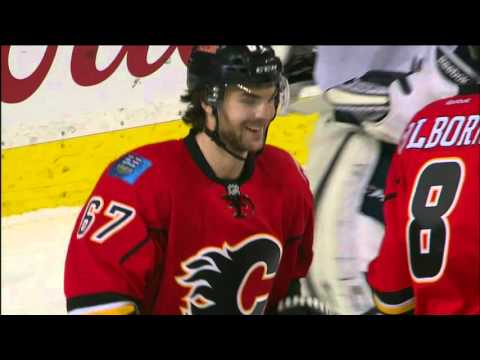 Gotta See It: Wideman injured after collision with Colborne