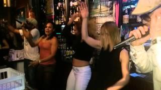 Reggaeton Caliente By Tainos & Cubans Girls Team En Casa Latina (bordeaux 29-11-2014