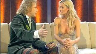 Repeat youtube video 2006 | Michelle Hunziker bei «Wetten, dass ..?»