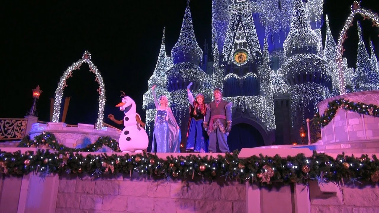 Christmas At Disney World Wdw At It S Very Best