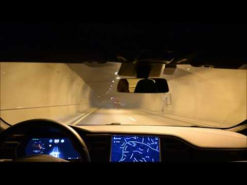 Tesla Autopilot 2 2017.42 a88c8d5 on winding highway