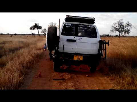 Tanzania 2015 - Tyre Change 0