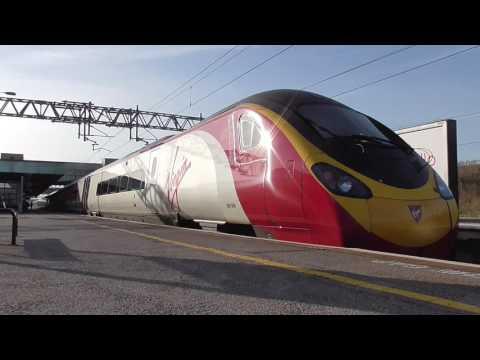 Trains at Milton Keynes Central & Bletchley 25/03/17