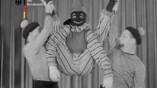 "Bagin Trio, rag doll contortion / Puppe-Kontorsion / акробатика ""кукла"" , 1952"