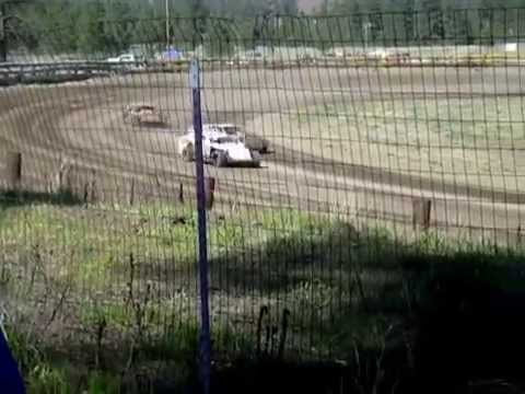 Eagle Track Raceway Modified Main Event Part 2 May 2nd 2015