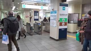 東京メトロ千代田線・副都心線明治神宮前駅(原宿駅)の改札口の風景
