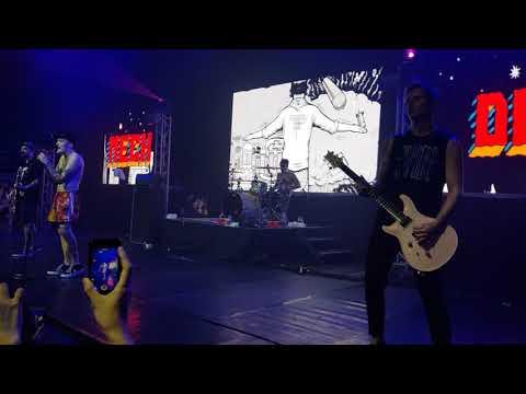 In Bloom - Neck Deep (Live in Manila 2018)