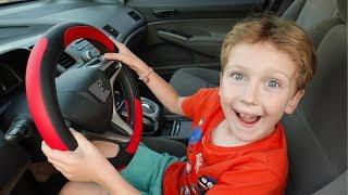 हम कार में एली के साथ ट्रैफिक पुलिस के बारे में एक कहानी बता रहे हैं