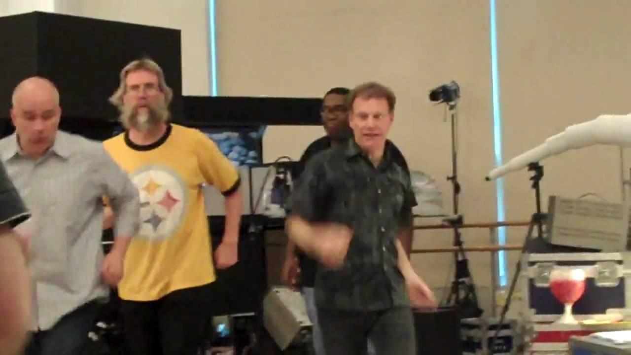 "Le Grand flipCam Series Video #8: ""Doug Fitch builds a scene"""