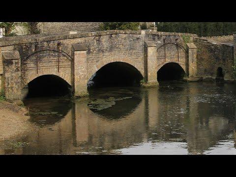Cotswolds, England Castle Combe, Malmesbury, Bibury, Stow, Slaughter, Bourton, Tetbury