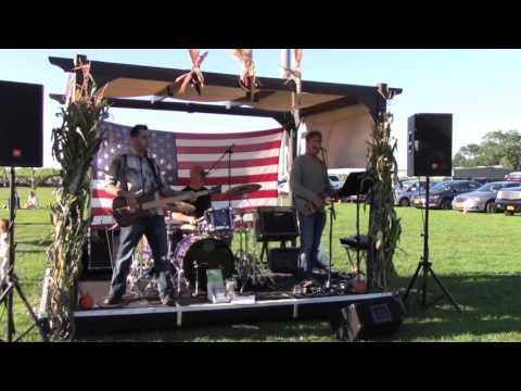 Yellow Fly Plays Beatles Music at Osprey Dominion