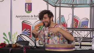 """Conferencia de Santi Senso del Libro """"PARIR, volver al vientre"""" en la Feria del Libro de Badajoz"""
