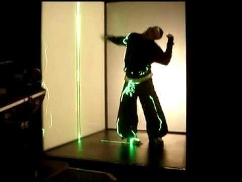 Shooting Robbie Williams RudeBox video - Laser scene (2007)