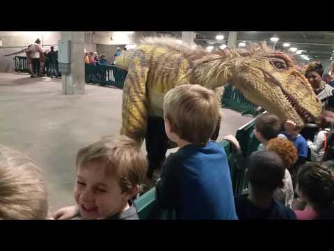 Dakotaraptor and the kids at JQ