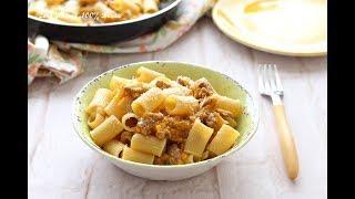 Pasta con zucca e salsiccia, gustosa e facile da preparare