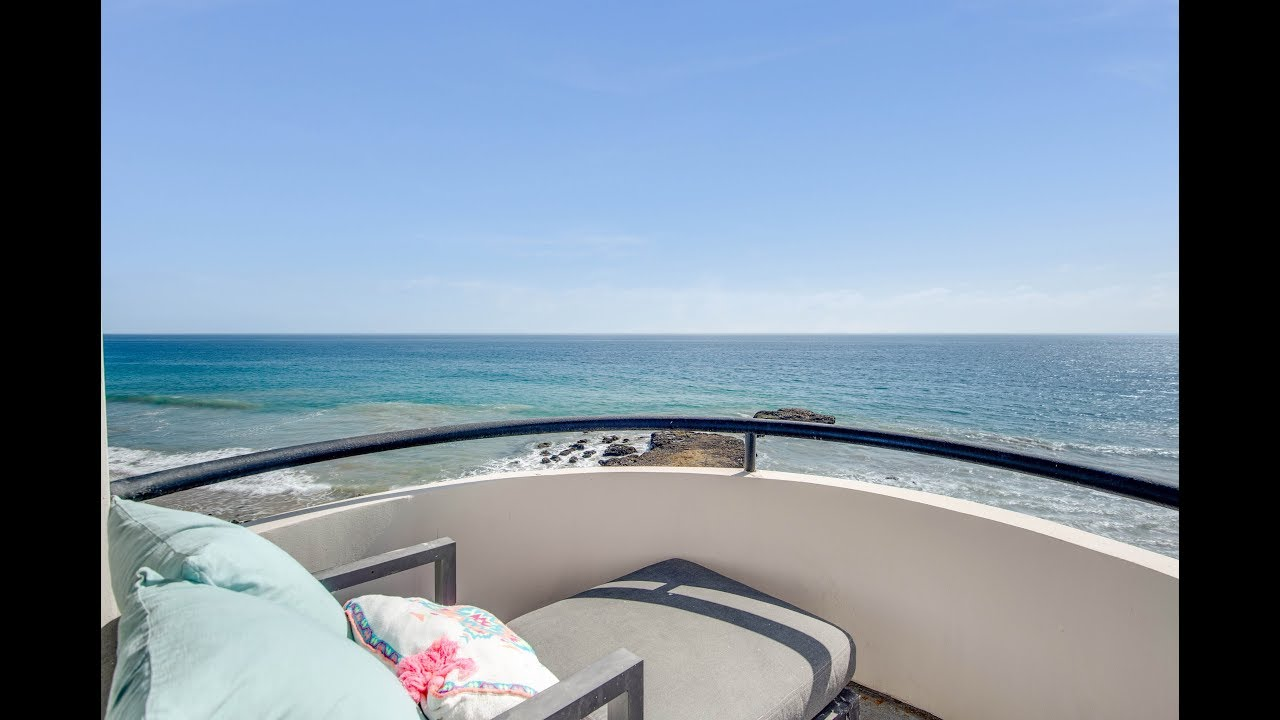 25252 Malibu Road | Malibu | Beachfront Architectural