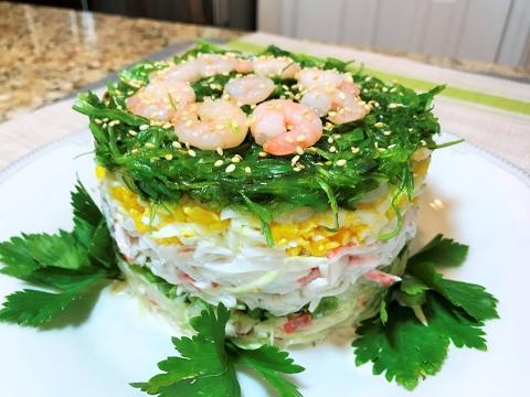 Хрустящий салат с редисом