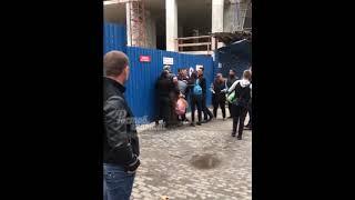 видео В Волгограде инцидент с укусом ветврача депутатской собакой закончился дракой