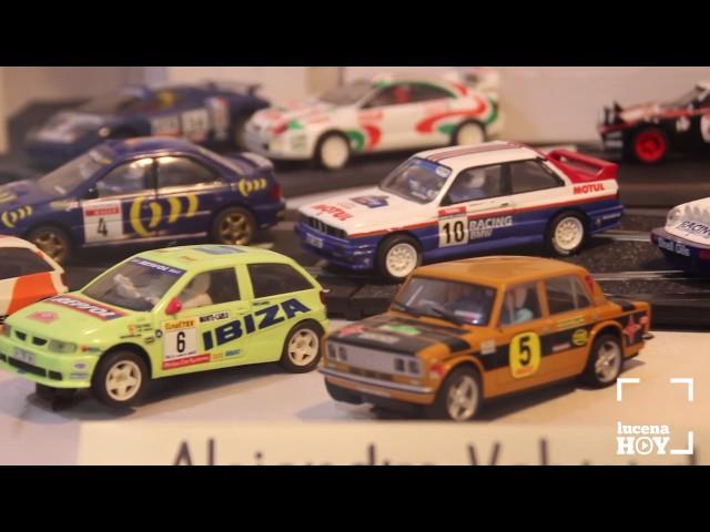 Vídeo: Un millar de vehículos a escala y scalextric. Visita la exposición de la Hermandad Amor y Paz