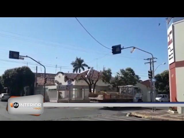 Moradores de Guararapes cobram solução para semáforos desligados