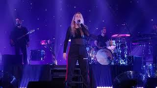 20180906 Ellie Goulding in Seoul - Love me like you do