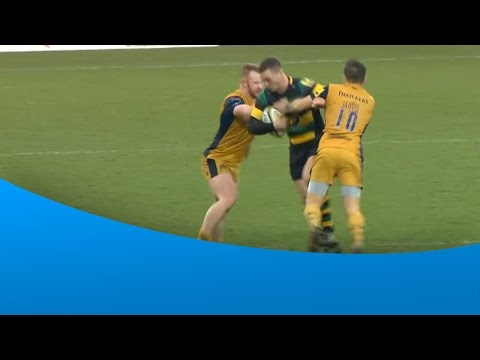 George North goes on a rampaging run