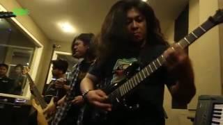 "Extreme Moshpit ""Live!"" - Auticed"