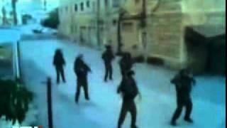 NEWSru com Видео    Израильские солдаты устроили флешмоб с танцами в оккупированном палестинском городе 2