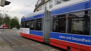 Straßenbahn Halberstadt. Leoliner (Halberstadt) Wagennummer 4 wird von Wagennummer 3 abgeschleppt