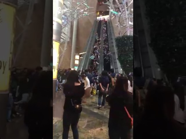 At least 17 hurt as Hong Kong escalator suddenly stops