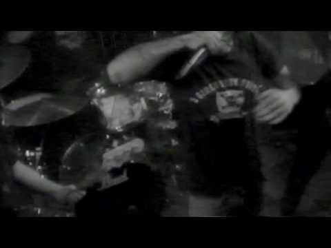 Crucial Inch Live at Baarikaappi 1/2