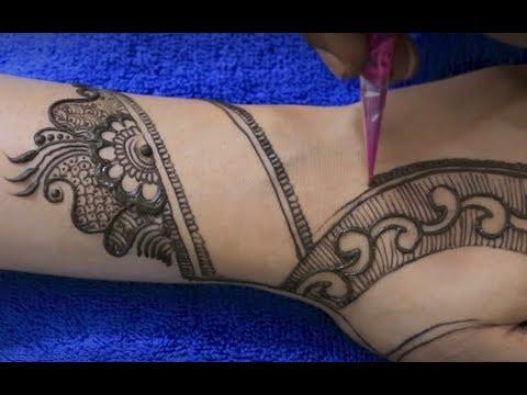 Apply Mehndi Tattoo Design On Hand in the Eve Of Celebration | Unique Hathphool Mehendi Pattern