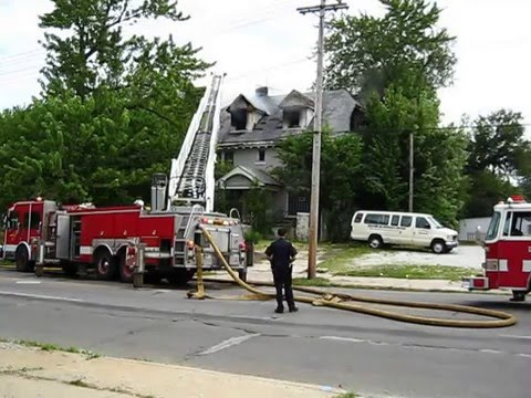 mvi-2012---cleveland-heights-fd-helps-out-ailing-ec-fd-with-pumper-&-ladder