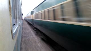 Pakistan Railways:16dn Karachi Express meets 145up Sukkur Exp