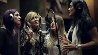 Смотреть клип Nikki Mackliff Ft. Las Tr3S - Ya No Puedo Amarte