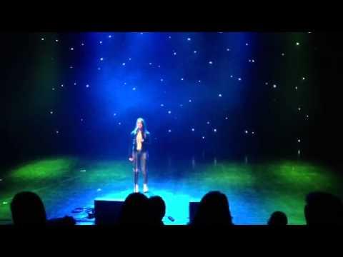 Linn Aurora 13 år synger Your Song på ukm skedsmo!